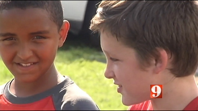 boys rescue kids from fire - WFTVvideo
