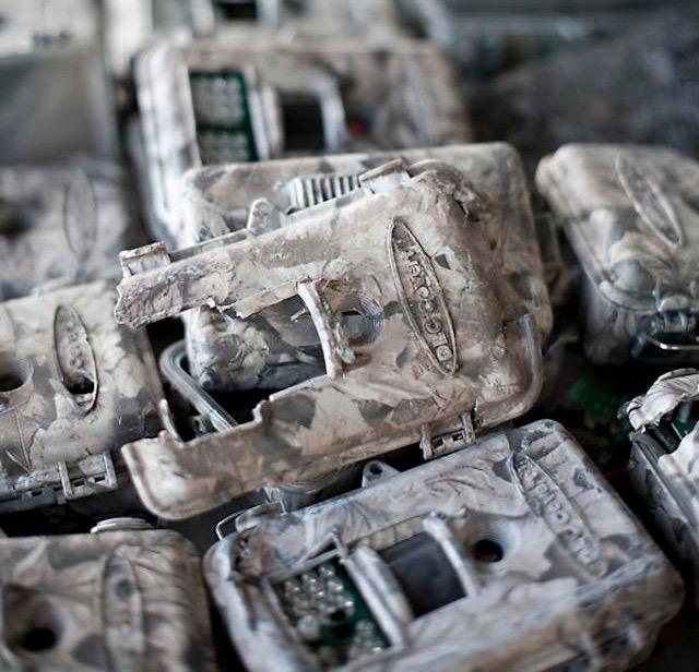 broken_cameras-snapshot-serengeti-indigogo-page