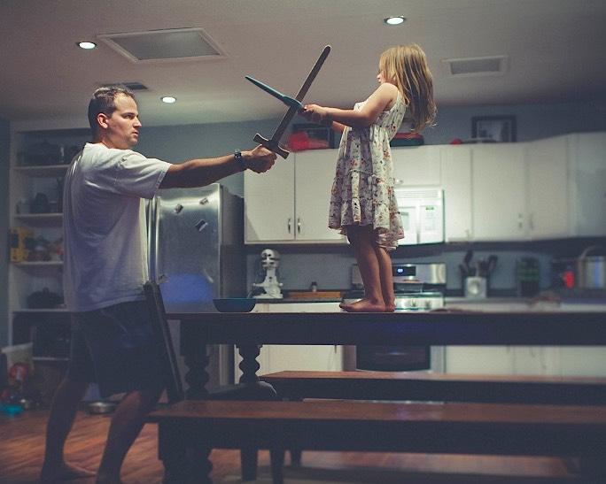 father-daughter-sword-fighting-CC-demandaj-cropped