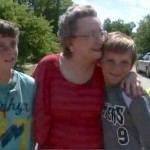 kids-mow-lawn-for-elderly-KWTXvideo