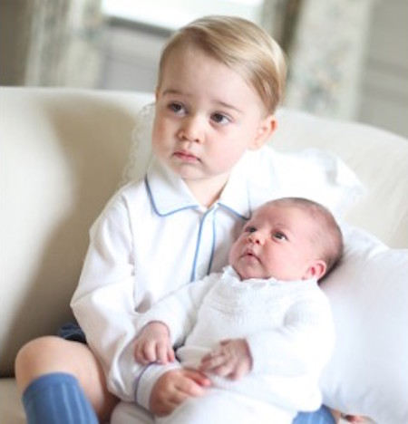 princess-charlotte-with-prince brother-Released Palace-by-Kate