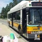 Boston bus lemonade stand -WBZ vid
