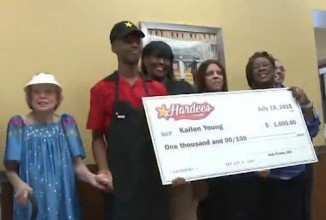 Hardees-workers-kindness to elderly-knoxville-newsvideo