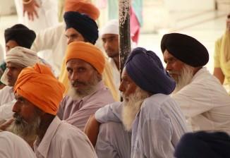 Pilgrims in Golden Temple CC Fulvio Spada