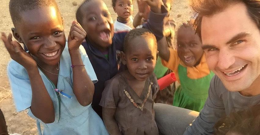 Roger Federer African kids Twitter-850px