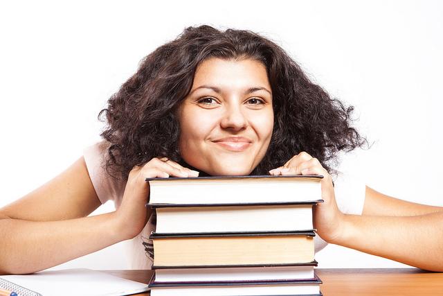 Student books CC CollegeDegrees360