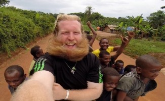 Wren with kids on jeep Facebook Justin Wren