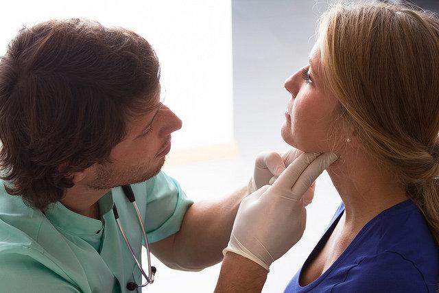 medical exam-CC-COMSALUD