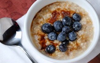 oatmeal with berries CC rpavich