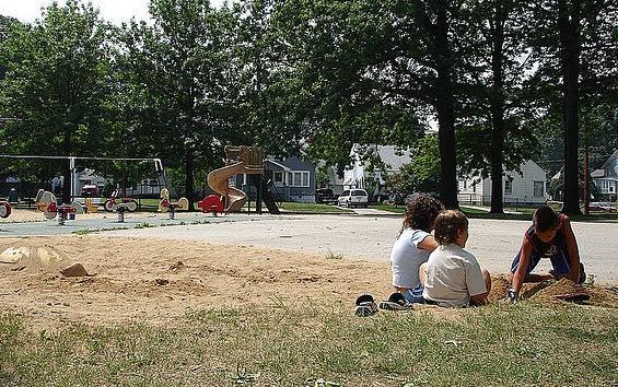 kids-digging-CC-Goombay