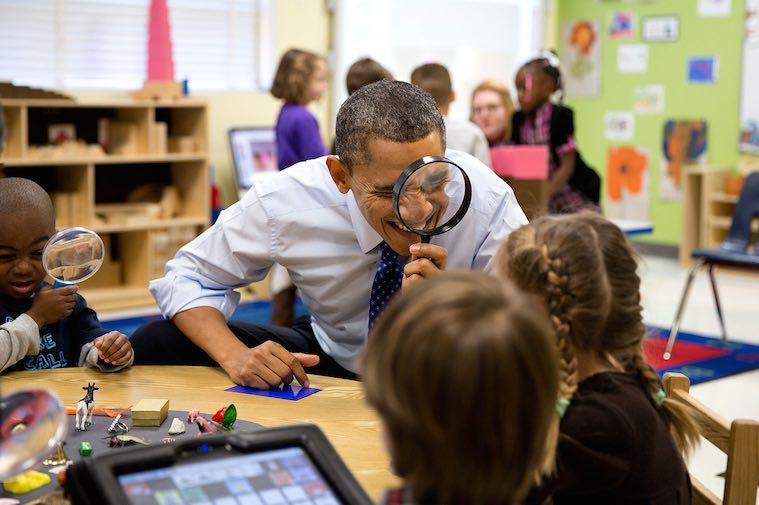 Sweetest Moments From the Obama Years In Photos (2009-2017) Barack_Obama_uses-magnifying_glass-WH