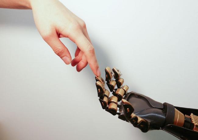 prosthetic hand-with-real hand-Stanford-Bao Lab-released