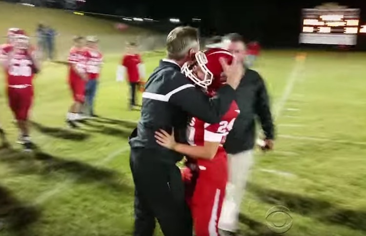 Coach Hug screenshot CBS