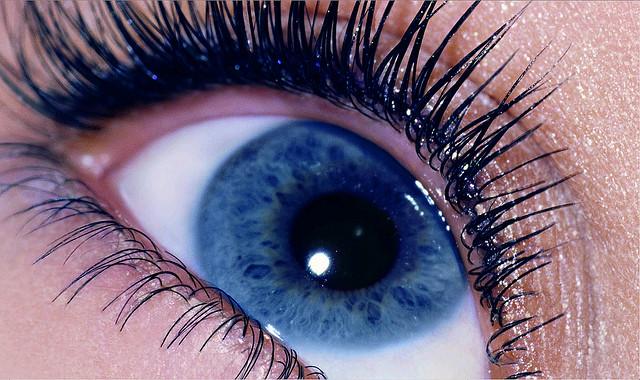 Eye cc Look Into My Eyes