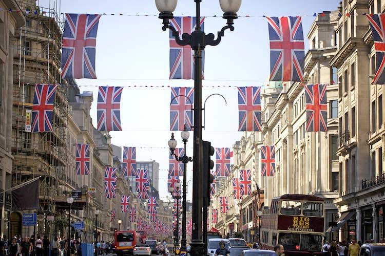 London-flags-city-cc-Aurelien_Guichard-750px