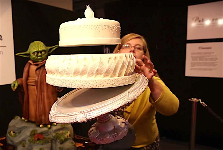 Yoda Levitating Cake screenshot Pebryon Cakes