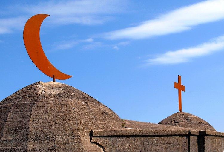 Islam Christianity CC wilhei