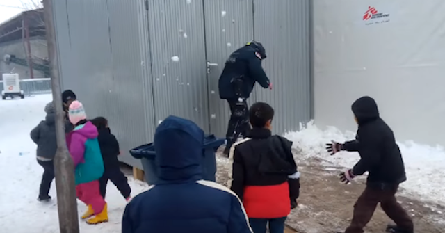 Snowball fight Facebook Nemanja Božović