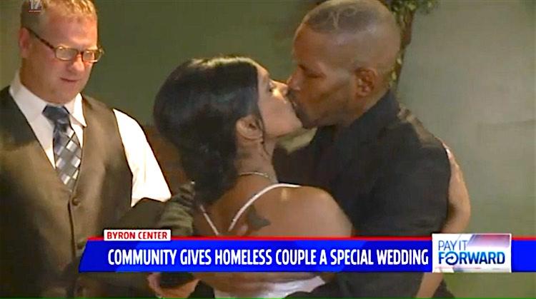 Homeless Wedding screenshot WXMI
