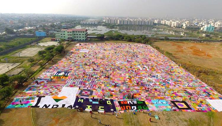 World's Largest Crochet Blanket FB Aasiya Khaliq and Mother India's Crochet Queens
