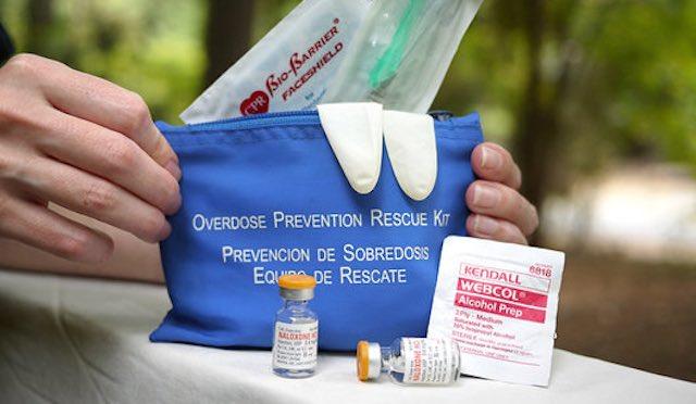 naloxone-overdose-kit