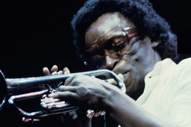 Miles Davis official glossy-his-website