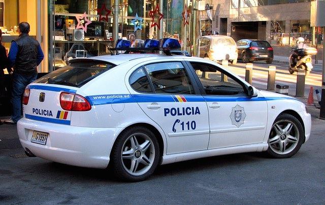 Policia Car - CC Mic V