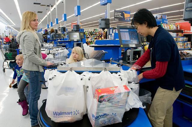 cashier shopping customers-cc-Walmart Corporate