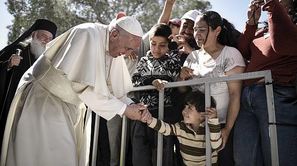 pope francis refugee-euronews-video