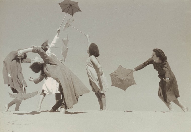 umbrella dancers-pubdomain