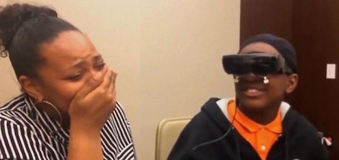 blind son sees mom for the first time calls her pretty watch