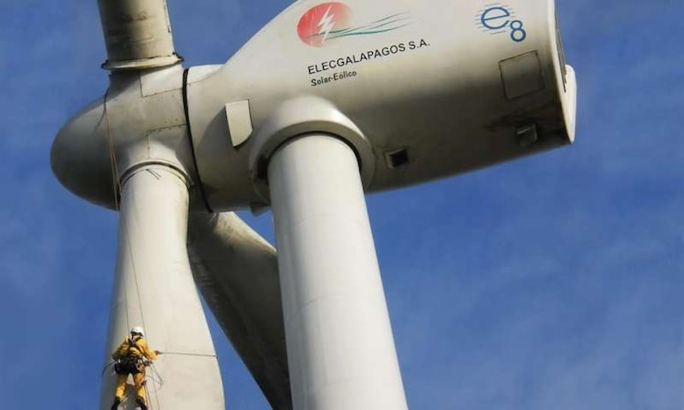 wind turbines-mountain climbers-EOLICSA-released