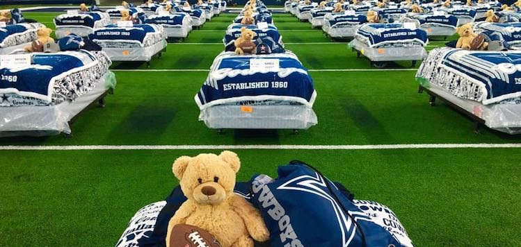 sale retailer e8d5d 39bec Kids Who Don't Have Beds Get Sleepover at Cowboys Stadium ...