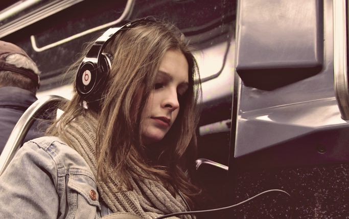 Neuroscientists Discover a Song That Reduces Anxiety By 65% (Listen)