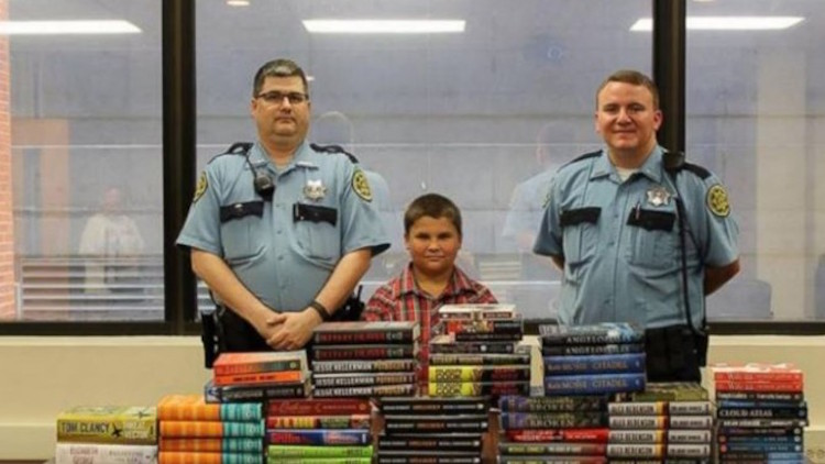 Boy Spends Allowance on Books For Prison: 'I've Never Seen A