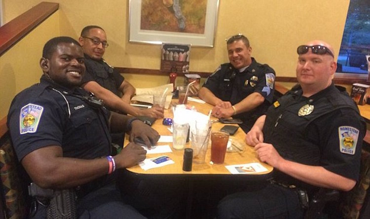 Cops Buy Dinner for Couple WTAE