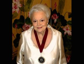 Olivia de Havilland-elderly-medal winner