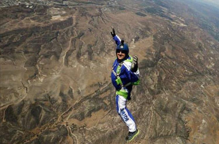 luke-Aikins-skydiving-2016