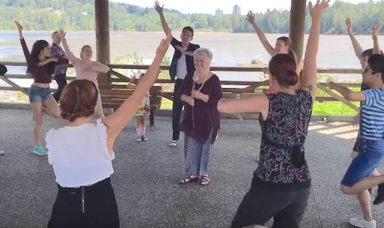 flash-mob-grandma-youtube