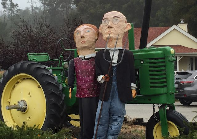 american-gothic-in-scarecrows-gnn