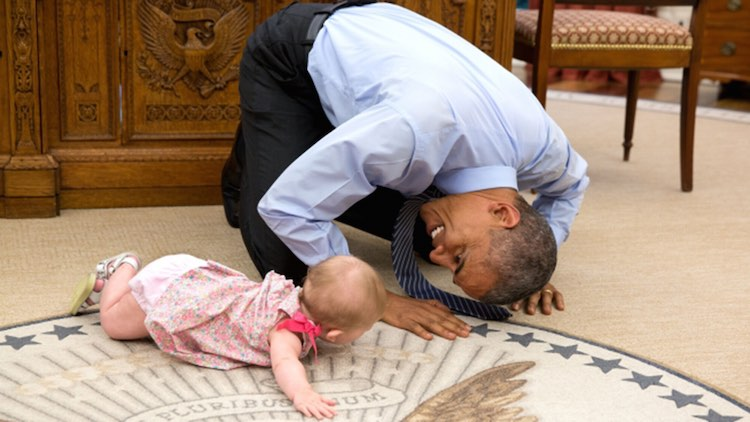 barack-obama-and-baby-white-house
