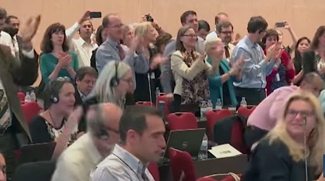 national-representatives-clapping-youtube
