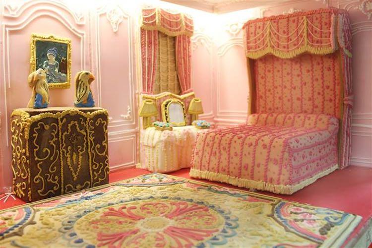 victorian-gingerbread-bedroom-biscuiteers