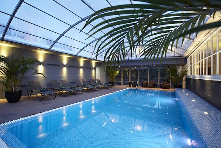 Hotel Pool-CC PortoBay Trade