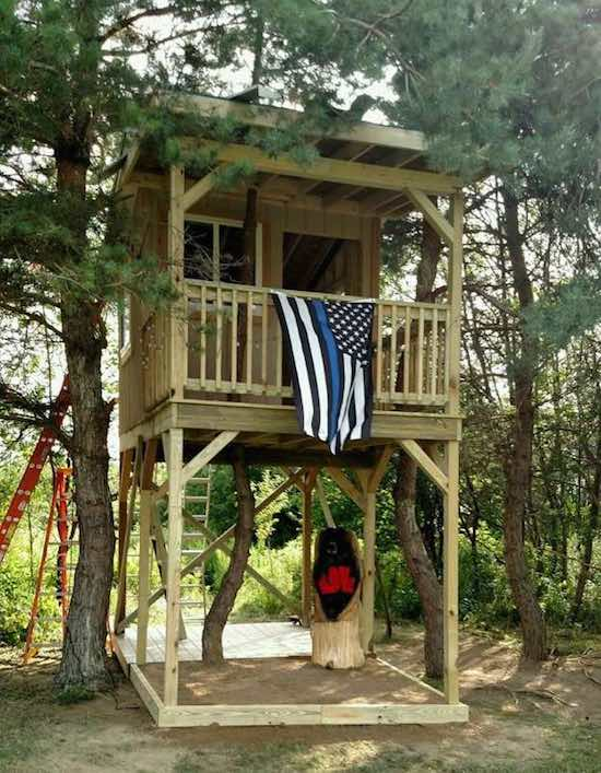 35 Fellow Cops Finish the Treehouse a Slain Officer Was