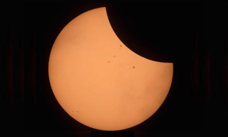 lunar eclipse space station - photo #5