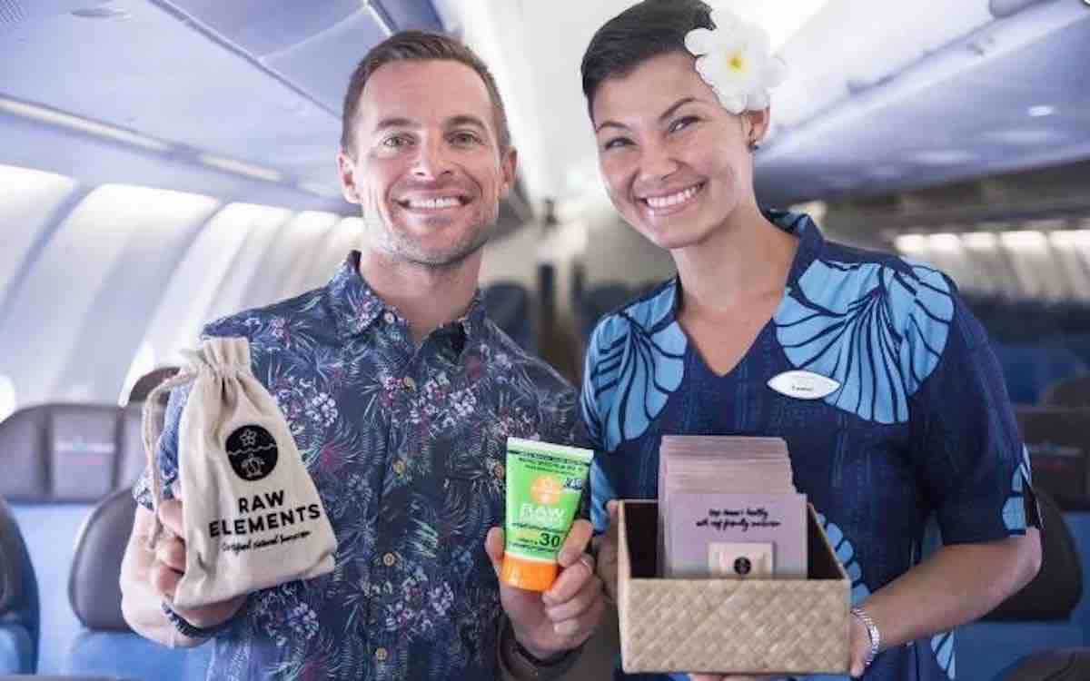 Airline Is Protecting Hawaiian Coral Reefs By Giving Free Non Toxic Sunscreen To Tourists