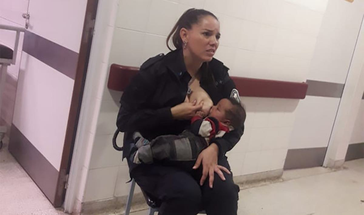 Police officer who breastfed baby on duty in Argentina promoted