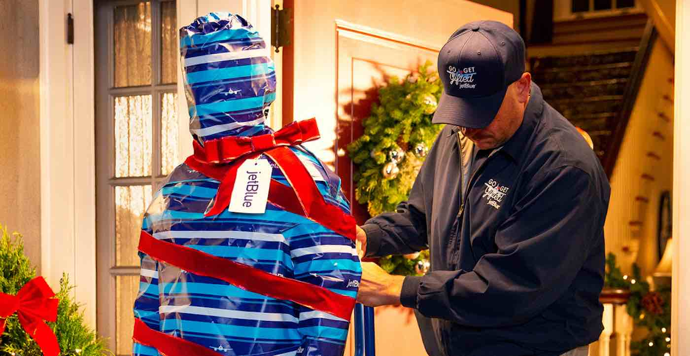 JetBlue Is Delivering Gift Wrapped People To Their Loved Ones For Christmas