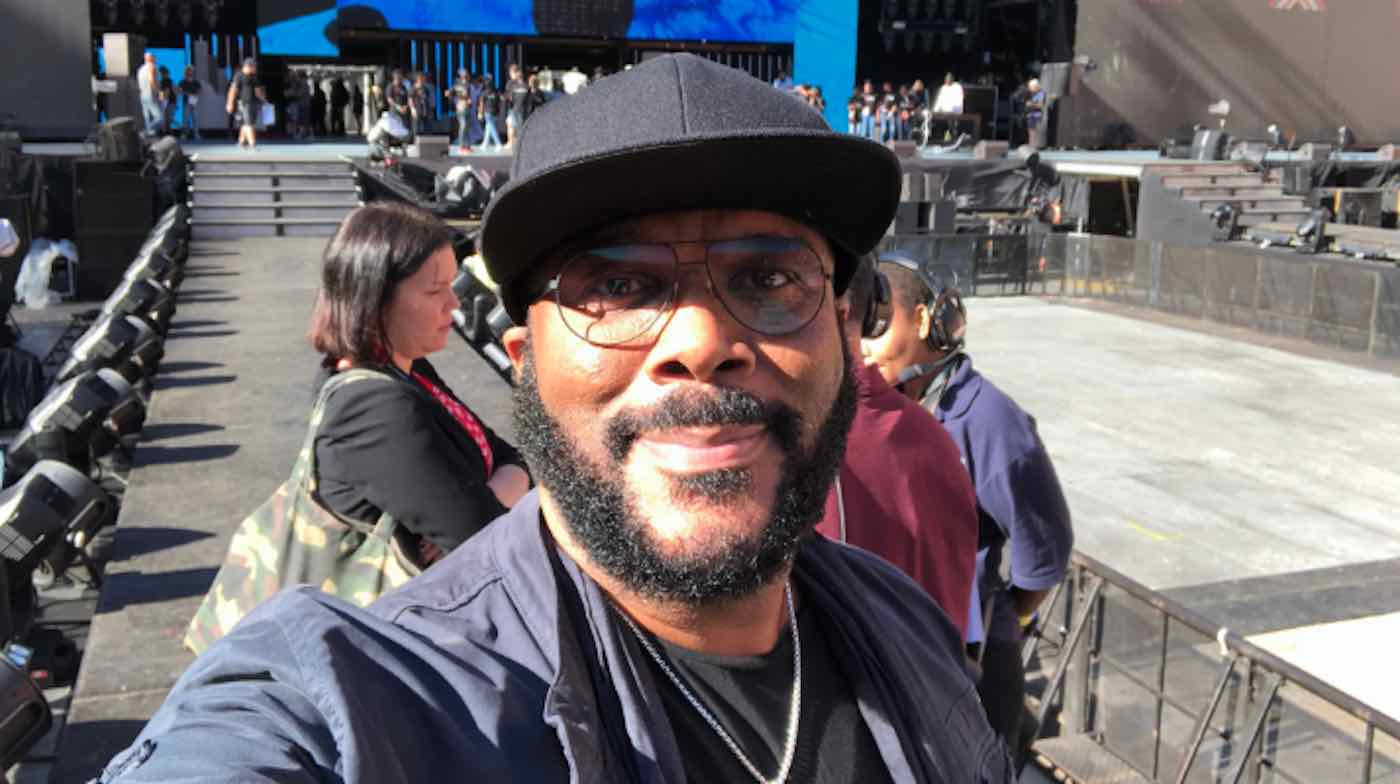 Tyler Perry pays off layaway items at 2 Georgia Walmart stores